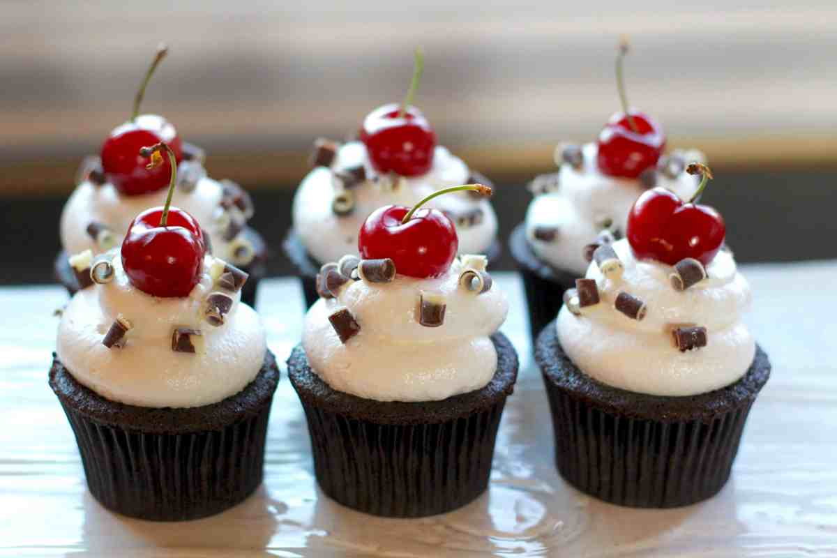 Baked Sunday Mornings: Black Forest Cupcakes