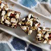 Baked Sunday Mornings: S'more Nut Bars