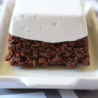 "Baked Sunday Mornings: Chocolate Rice Crispy ""Cake"" with Homemade Marshmallow ""Icing"""