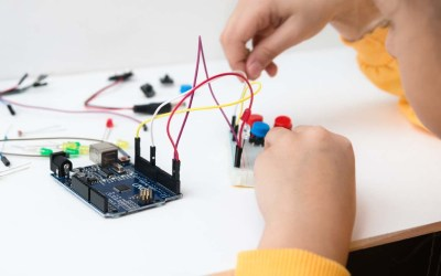 Discovering Computer Science and Electronics 2.0