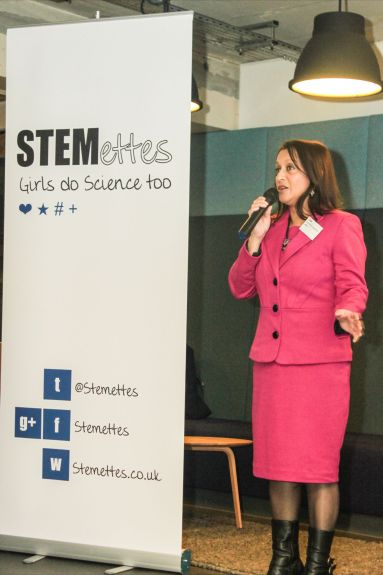 Lopa Patel MBE, Founder of RedHotCurry.com shares her story and top tips with the audience.