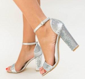 Pantofi dama argintii eleganti din paiete cu toc inalt gros
