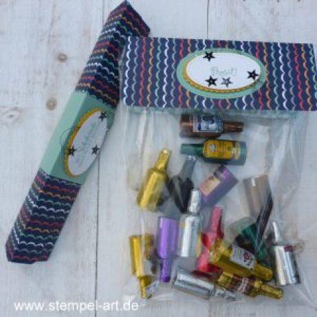 Toblerone Verpackung nach StempelART, Stampin up, bebilderte Anleitung, Tutorial, Dreieckbox, Framelits Stickmuster