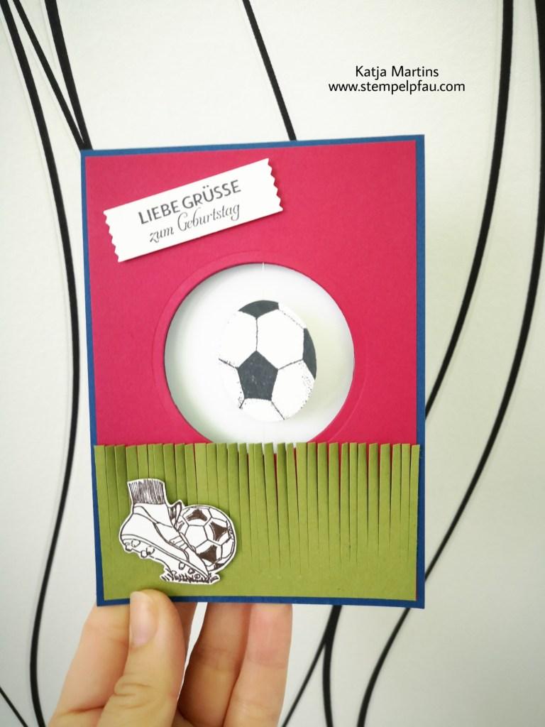 Fußball Geburtstagskarte mit drehendem Ball. Stempelpfau