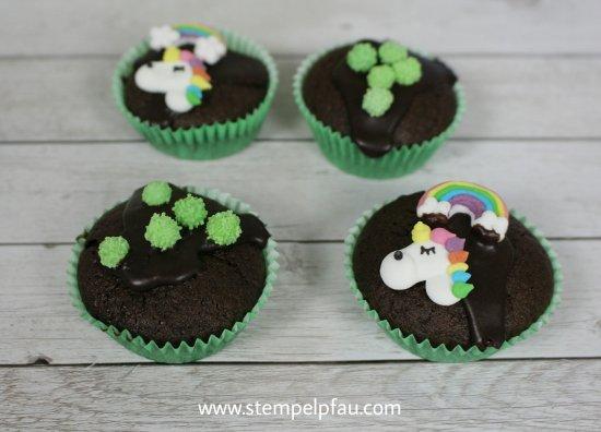 Drachen Muffins und Einhörner aus Zuckerguss