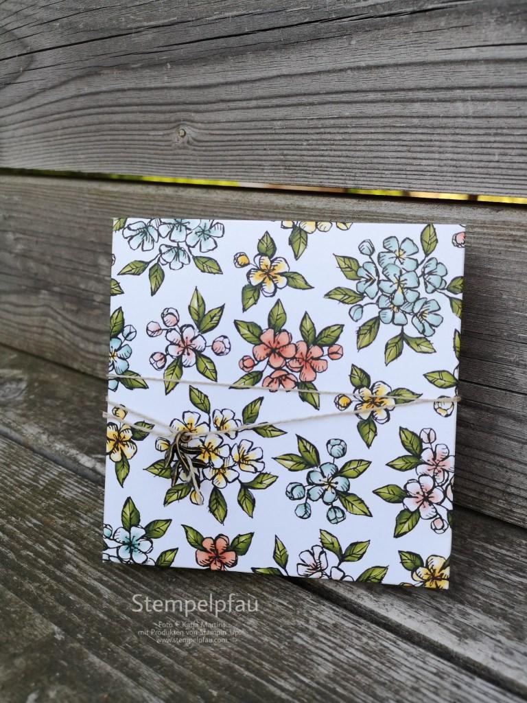 Schachtel aus Designerpapier Vogelgarten, Mach was Draus Juli, Stempelpfau