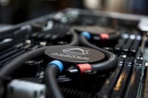 Patentretssagerne drejede sig om disse unikke vandkølede processorer, som Asetek er global markedsleder på - af størrelse som en ishockeypuck.
