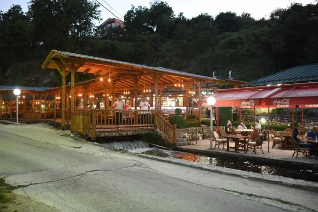 restaurant burimi 3 2