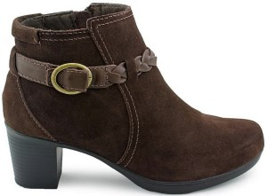 Clarks Scheme Act Q Round Toe Suede Ankle Boot Review
