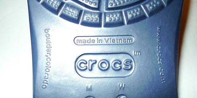 940695a9b 7 Differences Between the Original Crocs and the Fakes - Stepadrom.com