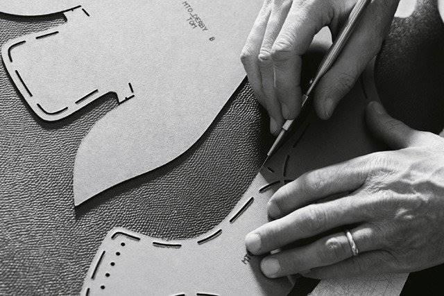 d46ee3f62dfe 10 Facts You Should Know about Louis Vuitton Shoe Production ...