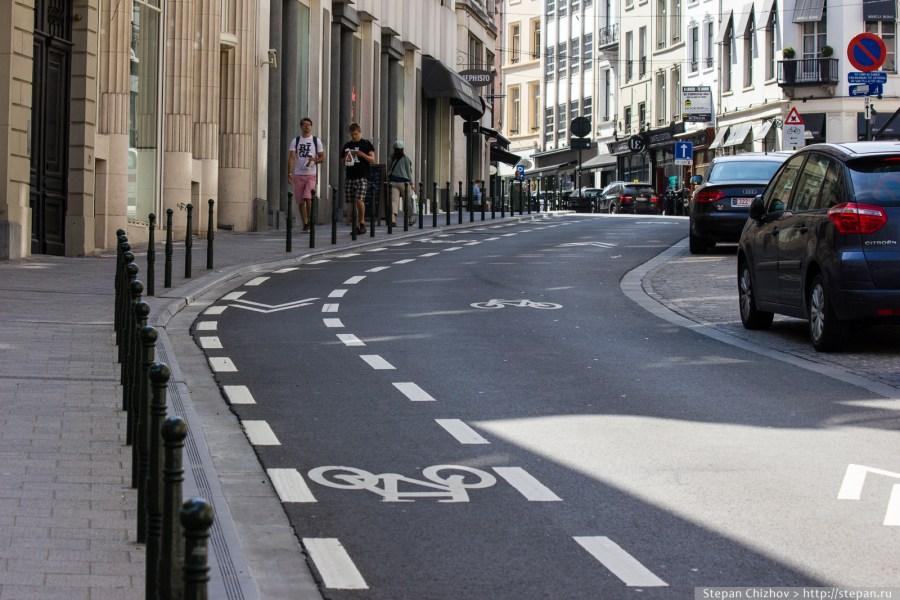 """7. Улица в Брюсселе с односторонним движением, где велосипедистам разрешено ехать по """"встречке"""""""