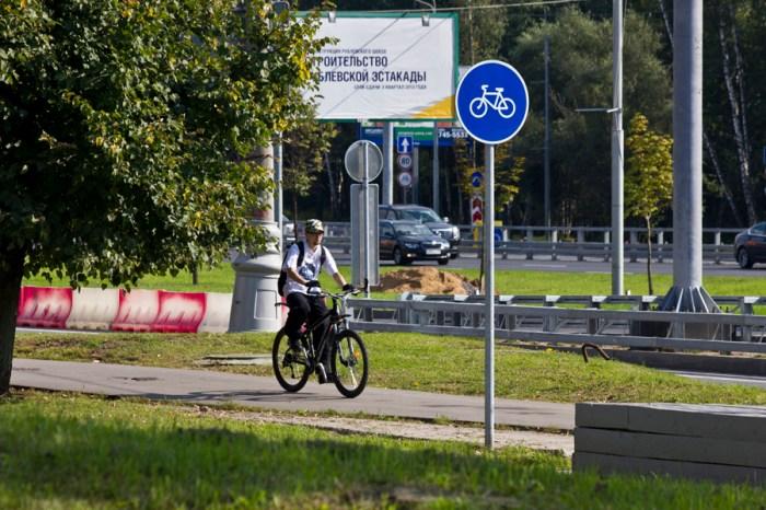 02 - Велосипедисты попадаются почти сразу