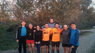 104 KM alergați pe ruta Fântânele-Arad de Sorin Herman, Ambrus Kalman, Lucian Dincea, Nelu Nes, Cosmina Rus, Sorin Victor Roman, Mircea Pleasu și Adi.