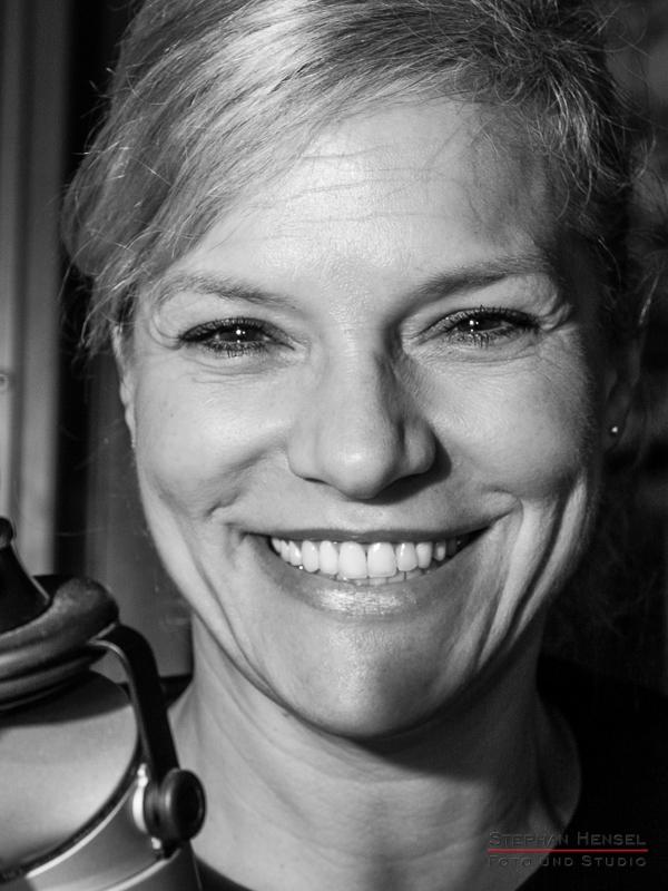 Ina Müller im Studio bei Stephan Hensel, Portraitfotograf: Stephan Hensel