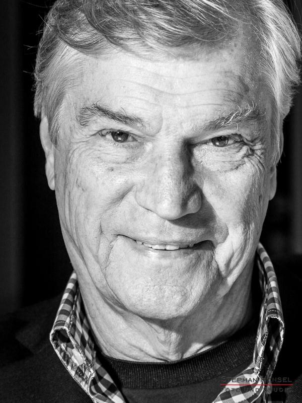 Jochen Busse im Studio bei Stephan Hensel, Portraitfotograf: Stephan Hensel