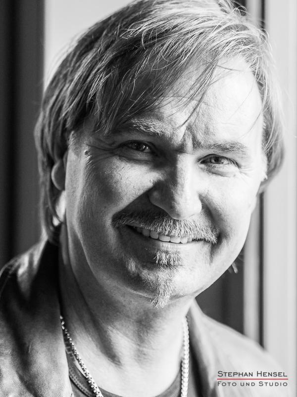 Nik P. im Studio bei Stephan Hensel, Portraitfotograf: Stephan Hensel