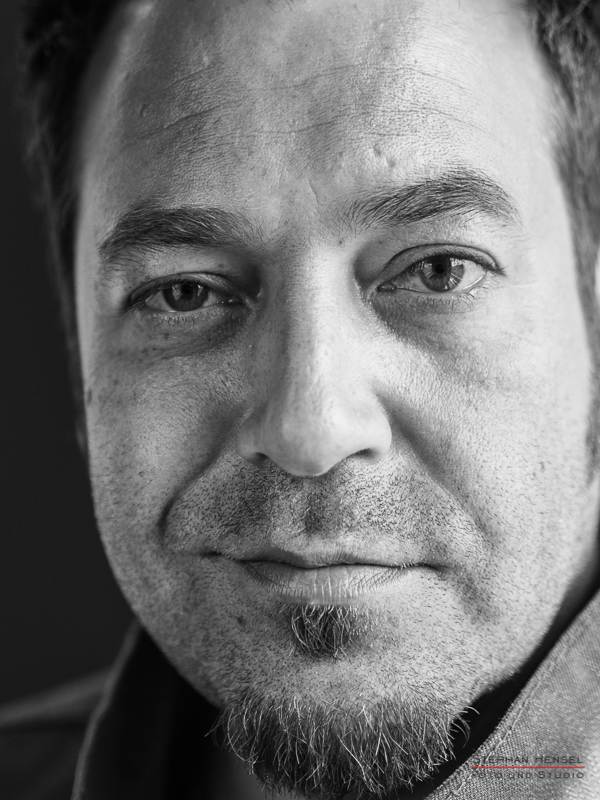 Laith-al Deen im Studio bei Stephan Hensel, Portraitfotograf: Stephan Hensel
