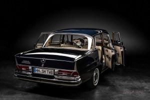 Mercedes-Benz 230 S (W111), Oldtimer, Ansicht von rechts hinten, Türen offen, Autofotograf: Stephan Hensel, Oldtimerfotograf, Hamburg