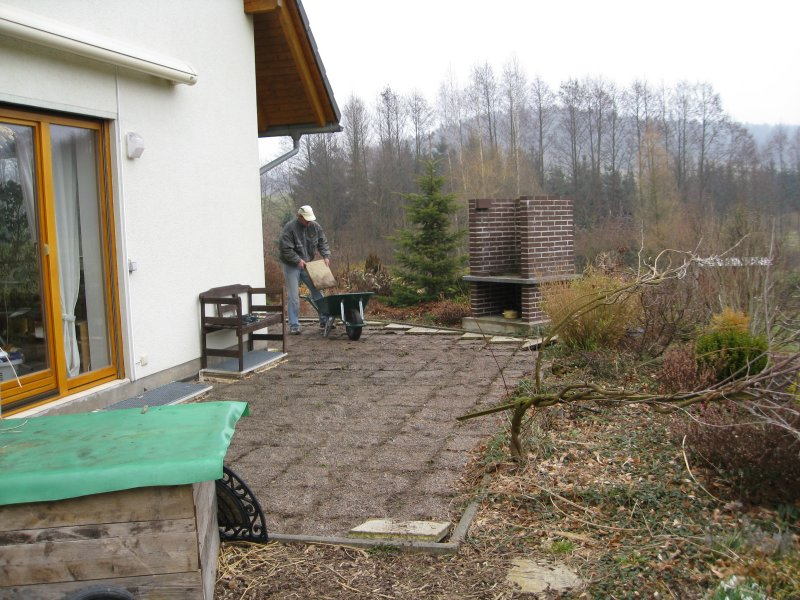 Stephan's Blog » Vorbereiten alte Terrasse
