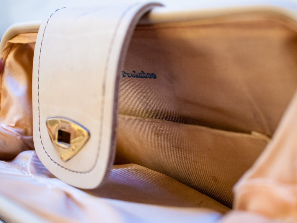 Peekaboo Bag Detail