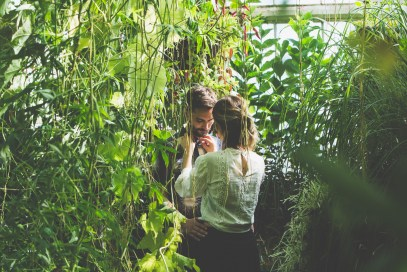 stephanie_green_wedding_photography_sula_olly_engagement_kew_gardens-24