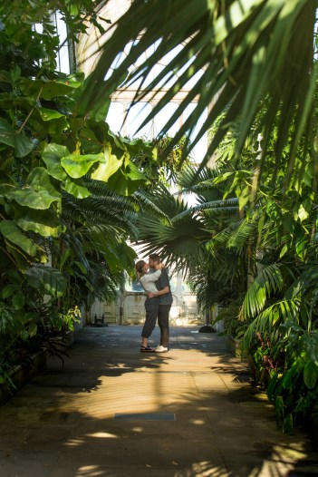 stephanie_green_wedding_photography_sula_olly_engagement_kew_gardens-48