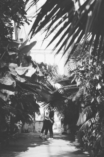 stephanie_green_wedding_photography_sula_olly_engagement_kew_gardens-49
