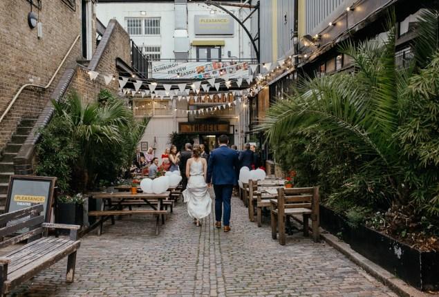stephanie-green-wedding-photography-amy-tom-islington-town-hall-wedding-depot-n7-industrial-chic-pub-826