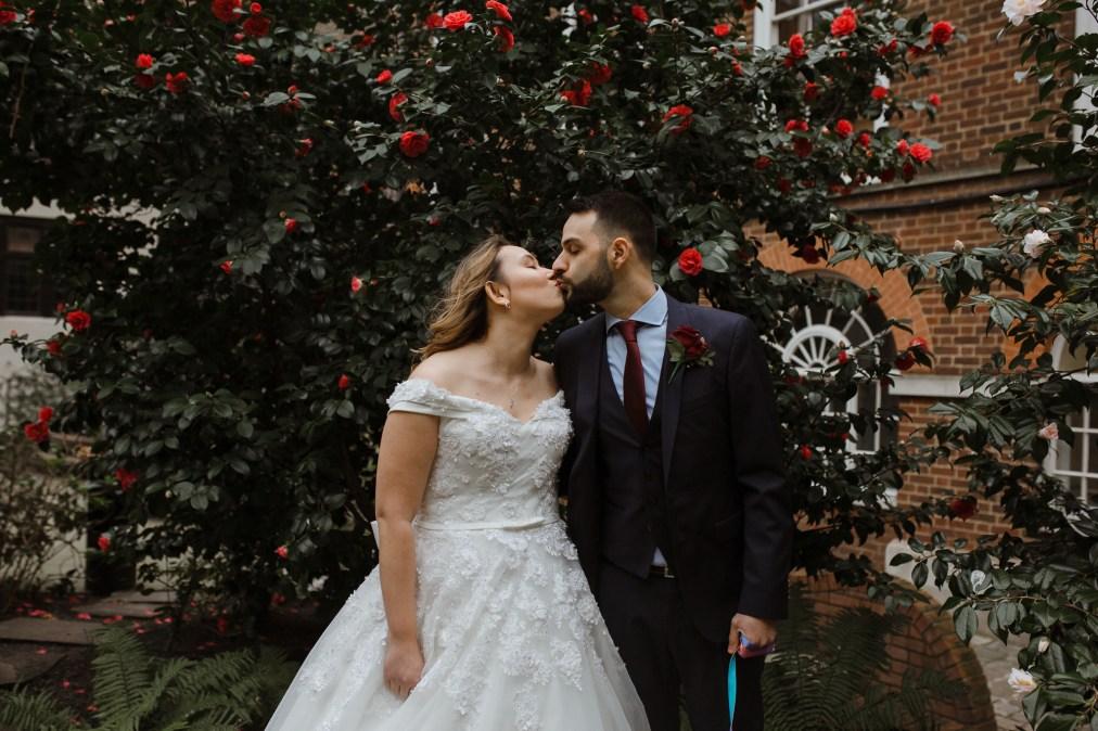 stephanie-green-weddings-marylebone-town-hall-st-pauls-cathedral-stationers-hall-dog-emma-adam-hati-buttercup-bus-vw-camper-216