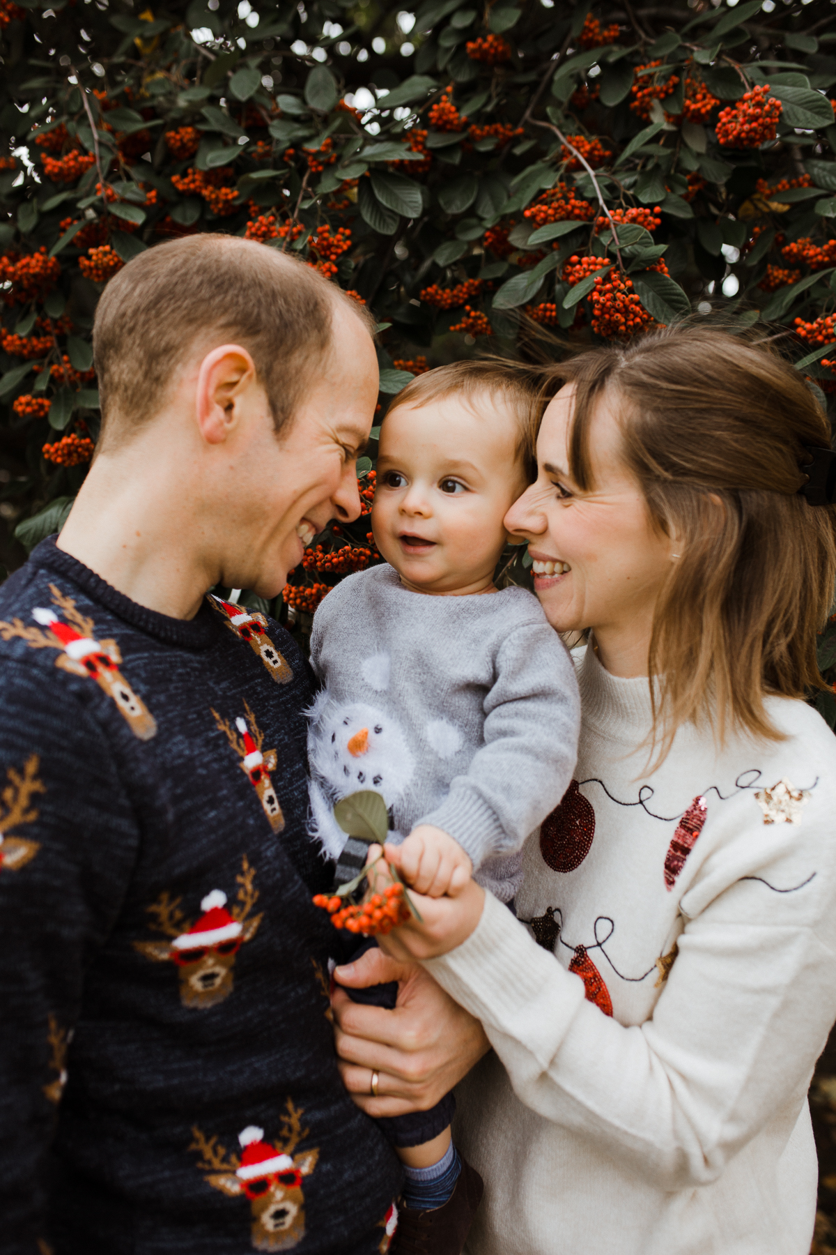 stephanie-green-weddings-christmas-jumper-family-portrait-session-tottenham-london-14