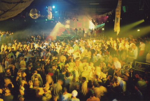 Image taken at Dreamscape from DJ mag https://djmag.com/content/legendary-90s-rave-dreamscape-return-mk-reunion
