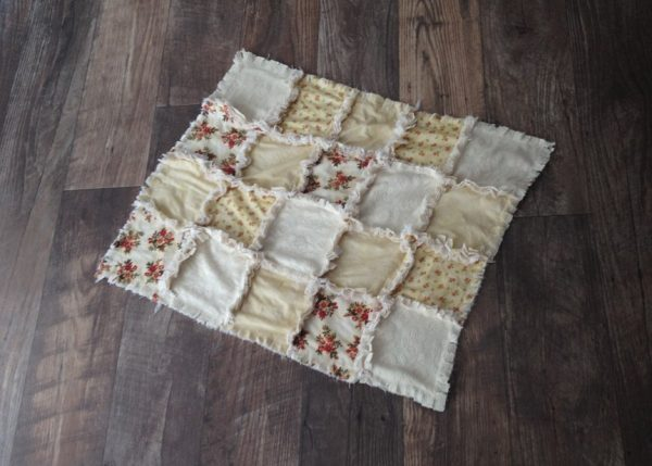 DIY-Tutorial-Vintage-Rag-Quilt-Craft-Photo-Prop-Final-Product-after-wash