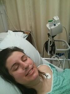C'pas parce que t'es à l'hôpital que tu dois arrêter de sourire!