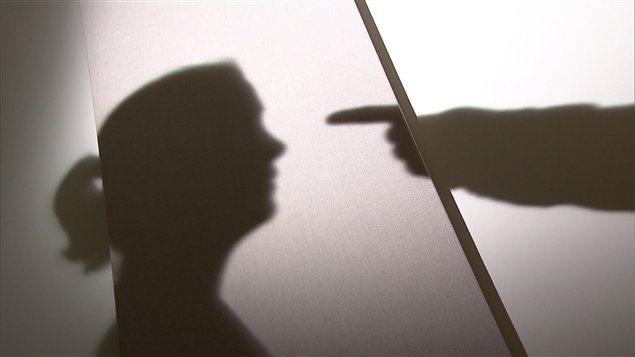 121223_cu0nn_femme-violence-anonyme_sn635