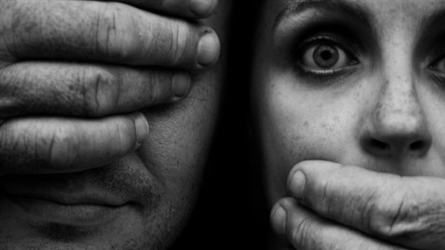 lien de l'image : http://img.radio-canada.ca/2014/11/04/635x357/141104_pq1pm_agression-sexuelle_sn635.jpg
