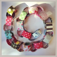 Making a fabric chain garland from left overs Fabric
