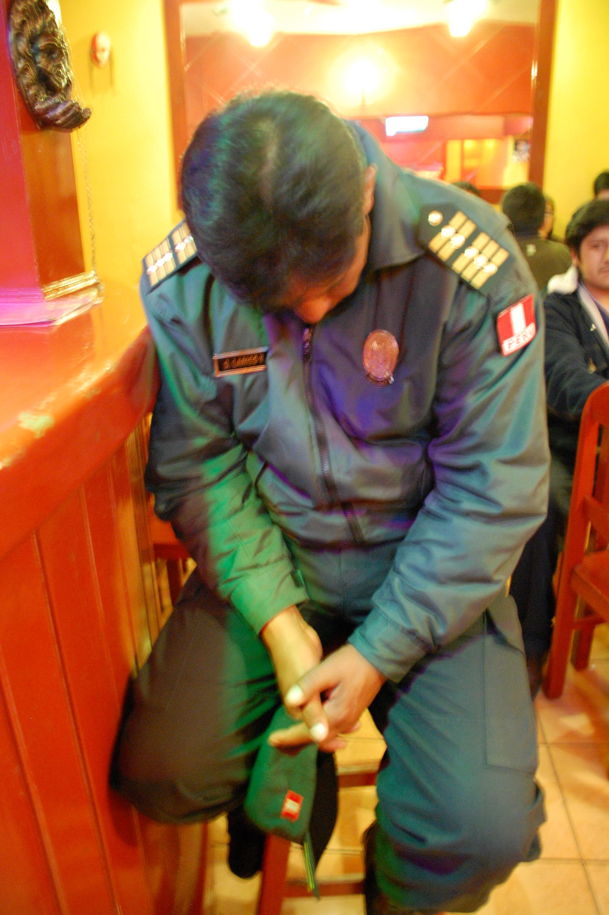 Peruvian police rest-up