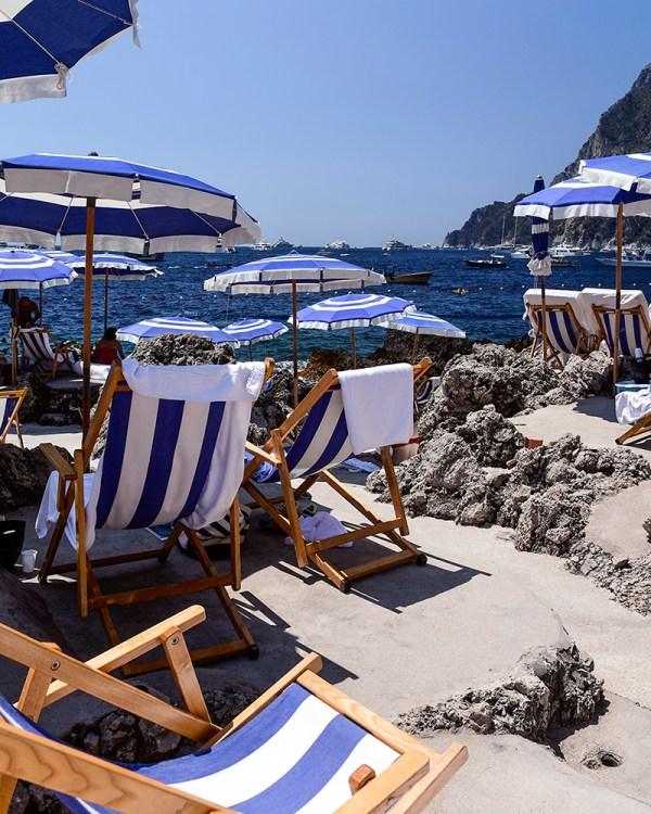 la-fontelina-beach-club-lounge-chairs-capri-italy-wall-art-print-stephanie-janett