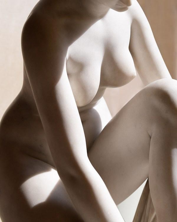 marble-female-body-statue-wall-art-print