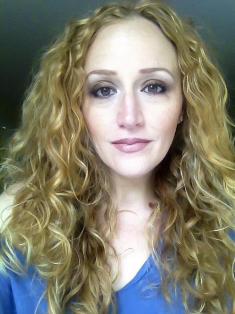 Bronze makeup on Stephanie Klein