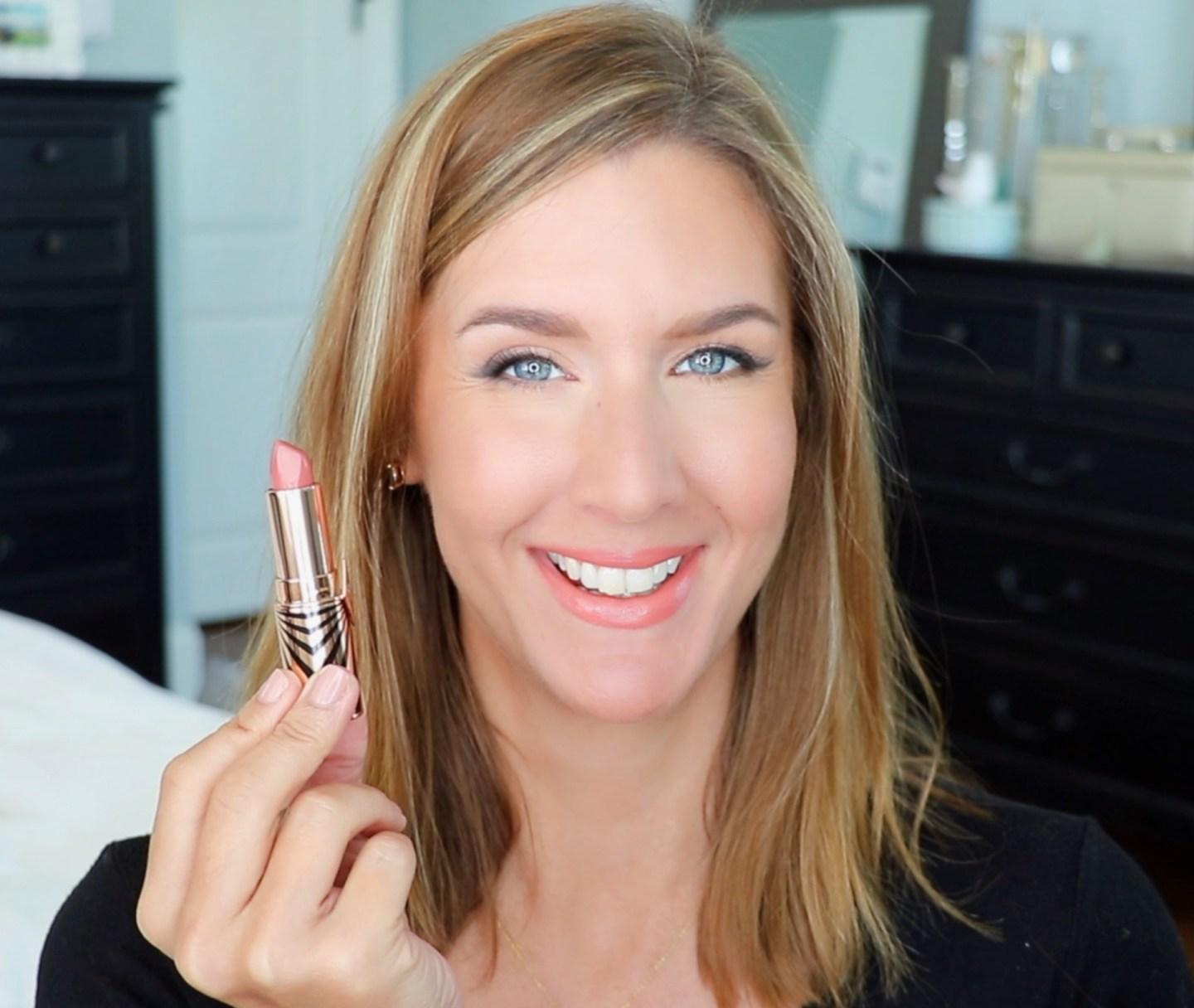 Charlotte Tilbury Hot Lips 2 In Love with Olivia Lip Swatch