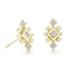 Perfect daily studs that can be dressed up or down. LOVE!