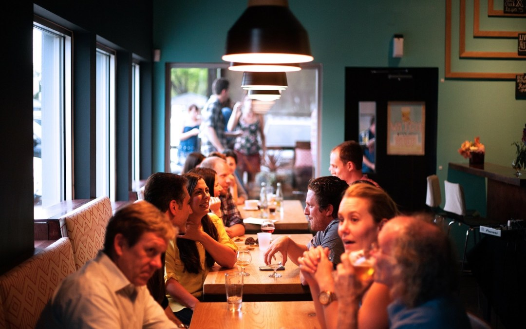 """How to avoid being """"THAT PERSON"""" while eating out"""