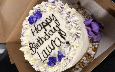 Review: Jaret's Stuffed Cupcakes