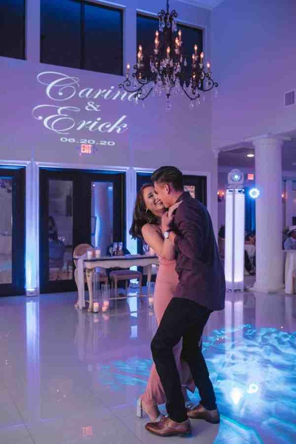 Couple dancing at Thistlewood manor & gardens wedding
