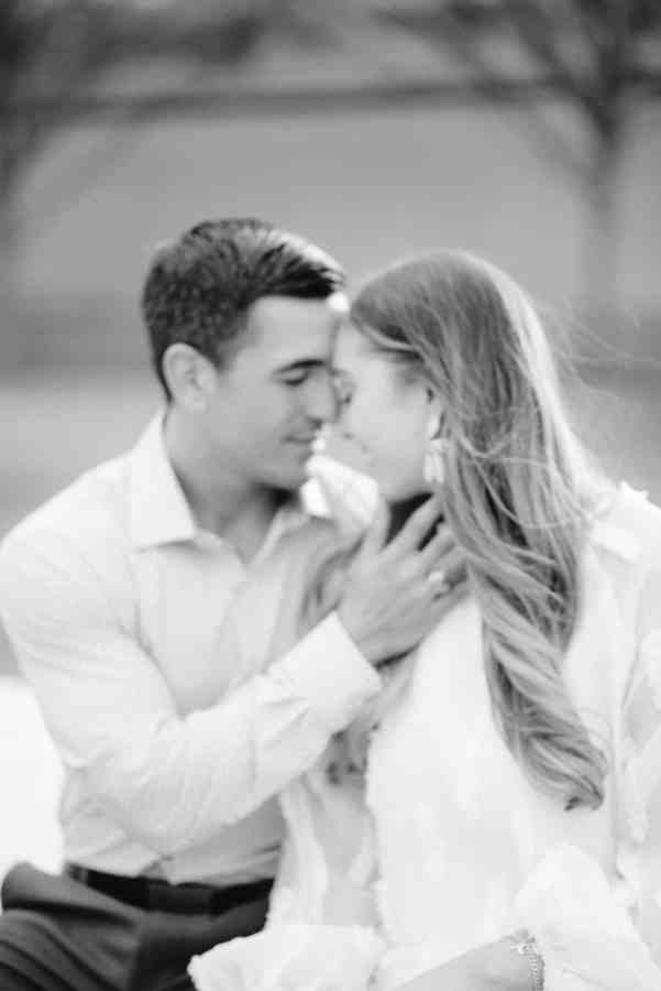 Black and white image at Kimball Art Museum Engagement Session