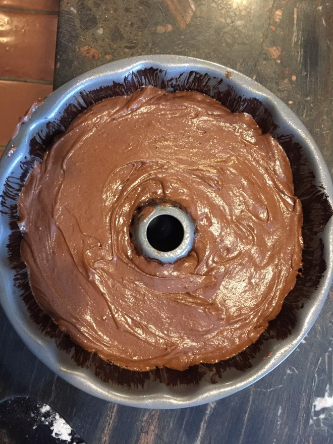 Tunnel cake in pan