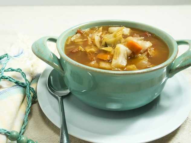 Slow Cooker Spicy Cabbage Soup
