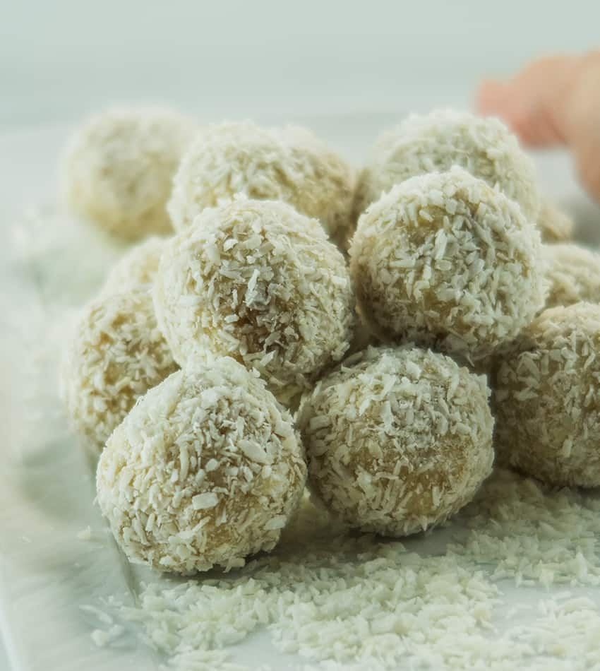 5 Ingredient No Bake Snowball Cookies